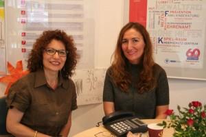 Bertaterinnen Emine Cun und Safiye Akbay-Ceribasi im Kalker Laden