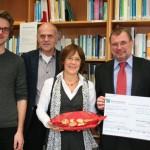 Spendenübergabe mit Rudolf Bünten (r.) von der BNP Paribas Leasing Solutions