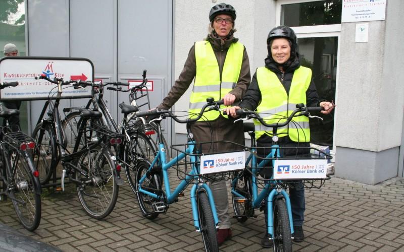 Zwei Dienst- und Freizeiträder für den Einsatz beim Kinderschutzbund in der Bonner Straße