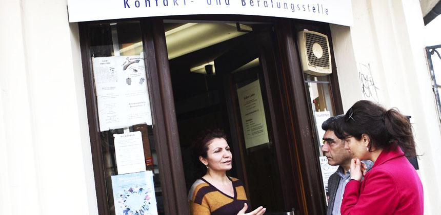 Beratung vor dem Kalkerr Laden, einer Außenstelle der Familienberatungsstelle im Kinderschutz-Zentrum