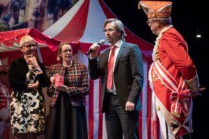 Startschuss der neuer Sammelaktion mit Monika Kleine und Anne Rossenbach vom SkF, Lars Hüttler und Präsident Hans-Günther Hunold.