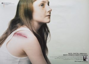 Kampagnenposter 2000 verletztes Mädchen