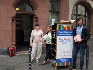 Zweiter Bücherschrank-vor dem Lohnssteuerhilfeverein Ecke Antoniastraße/Trimbornstraße
