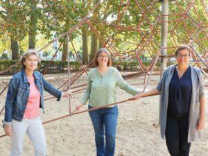Neue Sozialraukoordinatorin Anja Hundhausen (Mitte) mit Bezirksbürgermeisterin Kalk Claudia Greven-Thürmer, links und Astrid Lemcke, Bürgeramtsleiterin Kalk